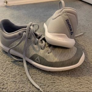 NWT Rebook grey/white active sneakers